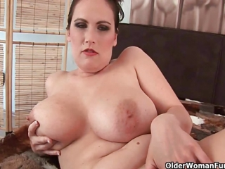 Chunky Girl Taking It Off Then Sucking A Hard One